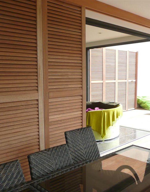 volets coulissant en aluminium en bois et ou pvc. Black Bedroom Furniture Sets. Home Design Ideas